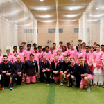 Shane Warne visits the Jarrett Indoor Cricket Centre